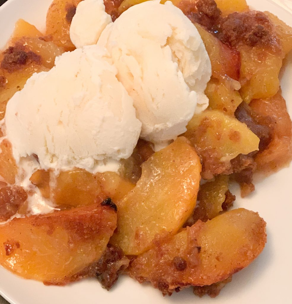 HOMEMADE PEACH COBBLER CRUMBLE
